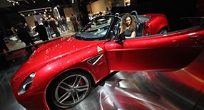 Cours de reportage photo au Mondial de l'Automobile.